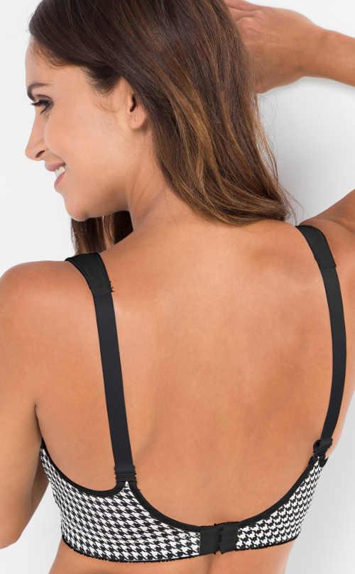 Vzorovaná černobílá podprsenka pro velká prsa