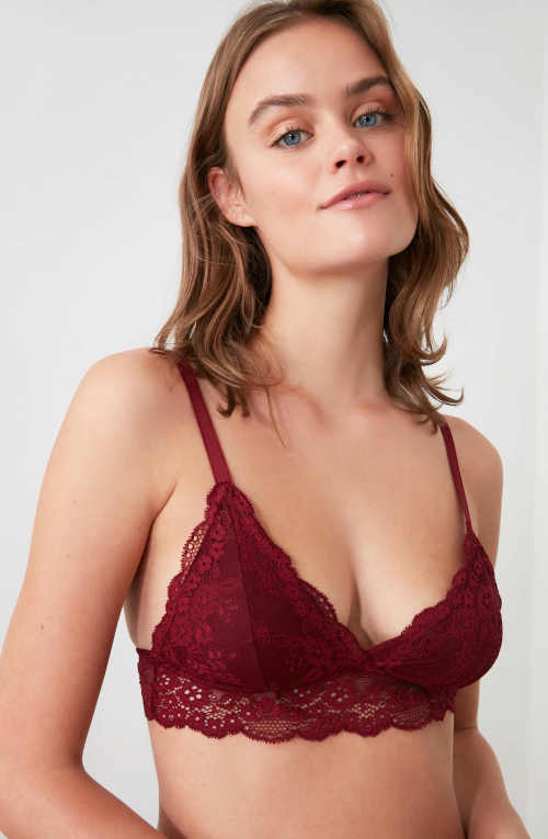 červená dámská krajková podprsenka